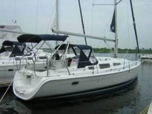 2005 Hunter - - 33' Sloop Sailboat for Sale in Locust, New