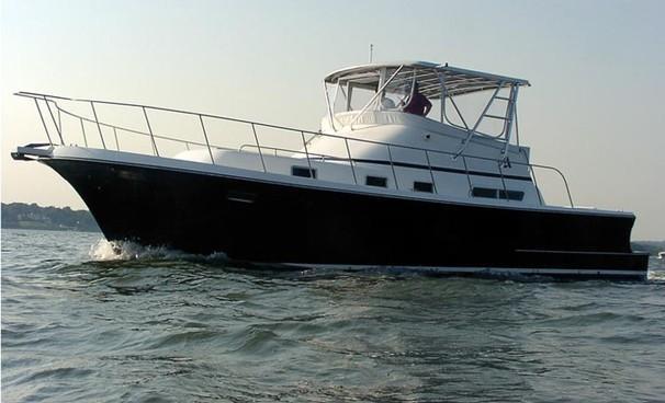 2004 Albin Yachts Command Bridge pictures